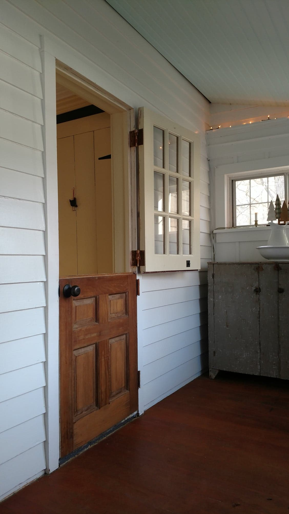 Front Kitchen - Exterior View