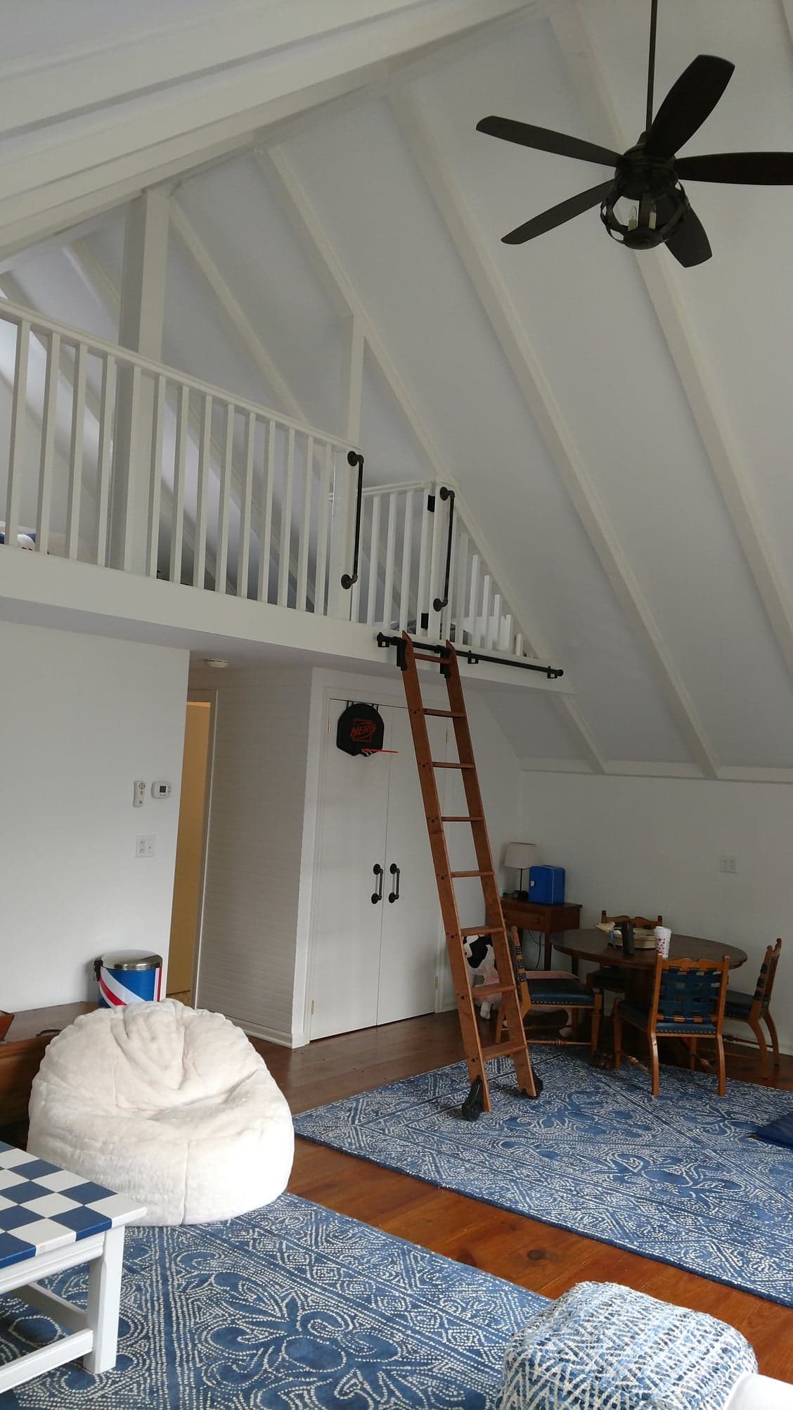 Family Room Loft - Ladder